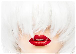 "<a href=""http://www.adamslowikowski.com/portfolio/red-lips/"">""Red lips""</a>"